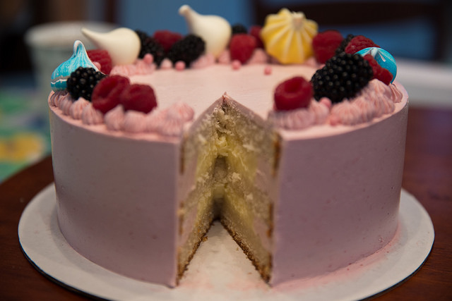 Learn How to Decorate a Seasonal Treat at the Sweet Escape Cake Night on January 25th