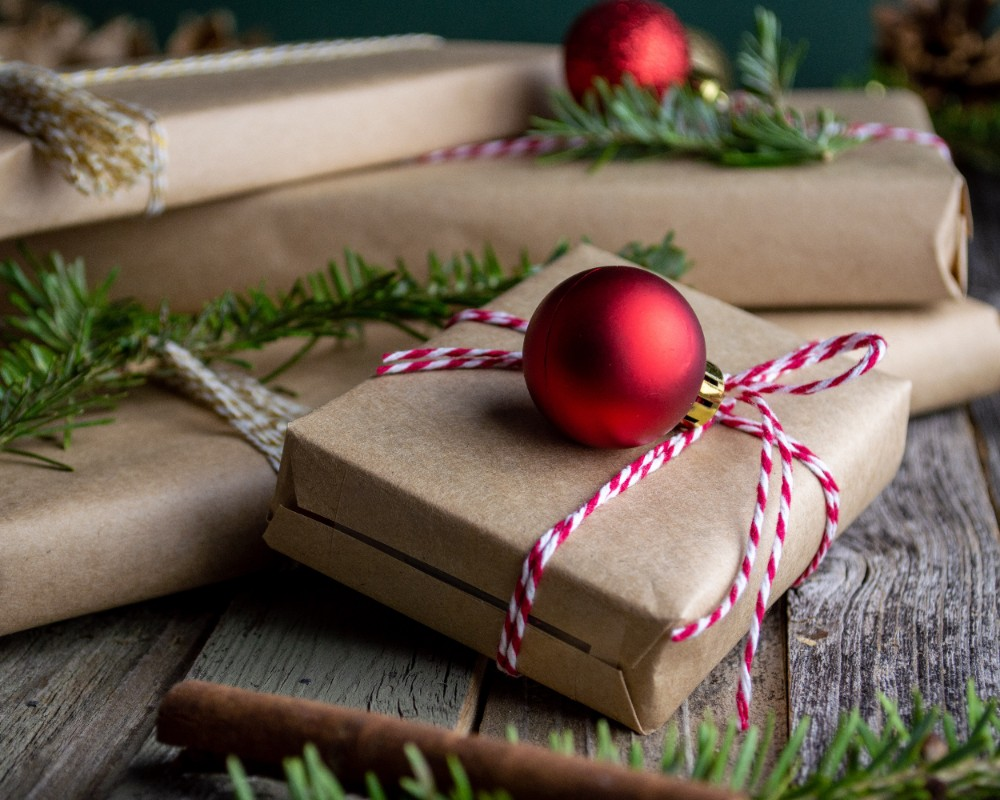 DIY Holiday Gifts That You Can Make in Your Apartment